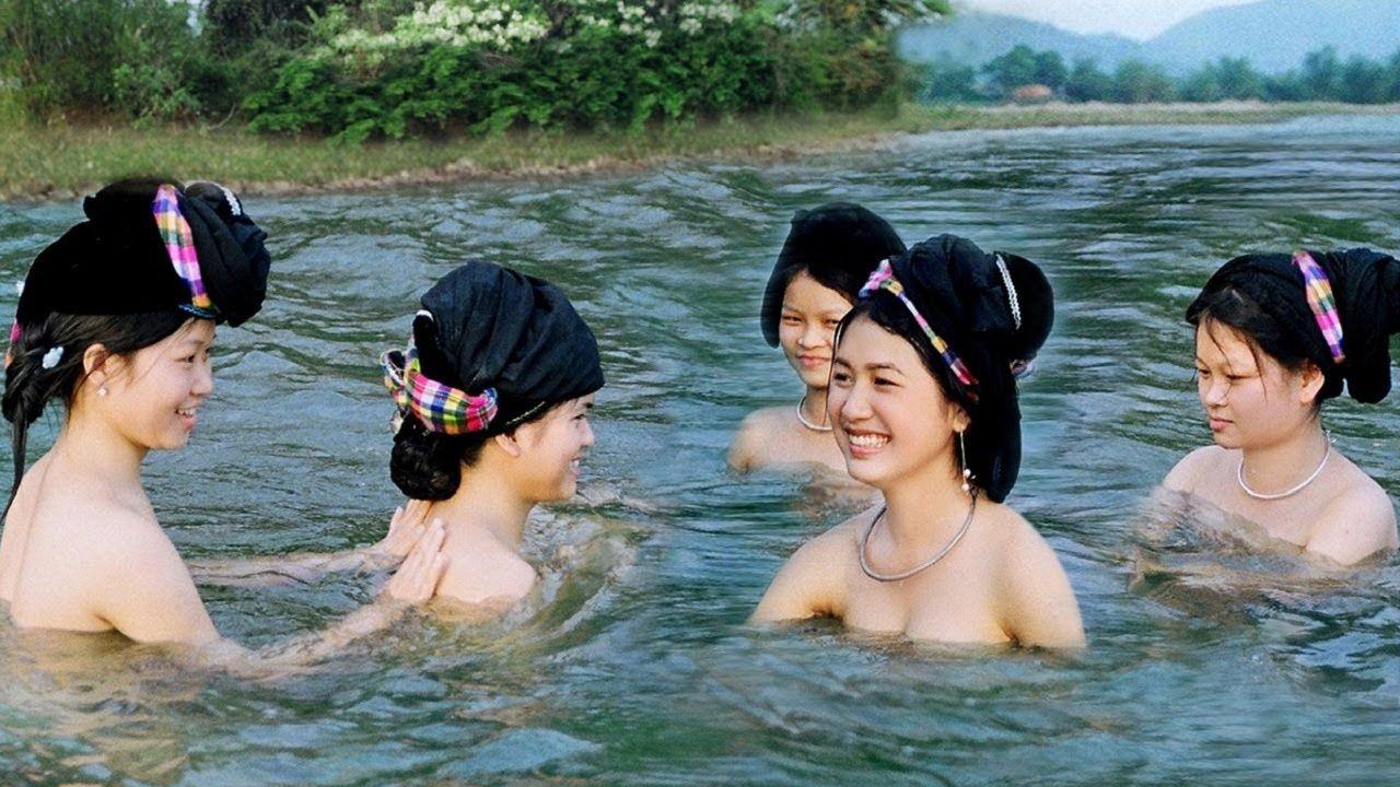Vietnamese girl nude oops