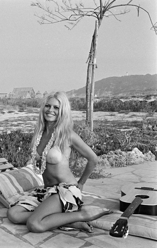 Photo of Brigitte Bardot in Saint-Tropez in July 1967. Photos by Jean-Pierre Bonnotte.