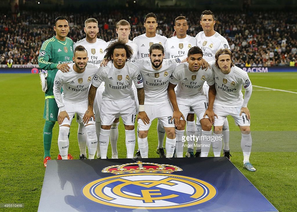 Players Of Real Madrid Line Up Before The Uefa Champions League Group Uefa Champions League Real Madrid Gareth Bale Real Madrid