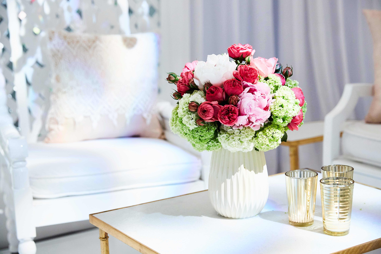 Garden-Inspired Wedding Lounge Ideas for Your Summer Nuptials ...