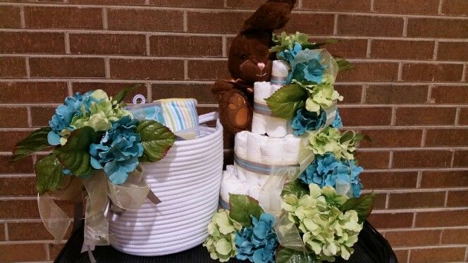 Some bunny loves you diaper cake!