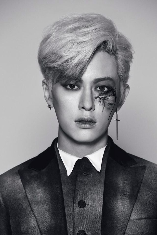 "[TRANS ] BOYFRIEND #WITCH Special Halloween pictorial is released! #보이프렌드 ""Donghyun"""