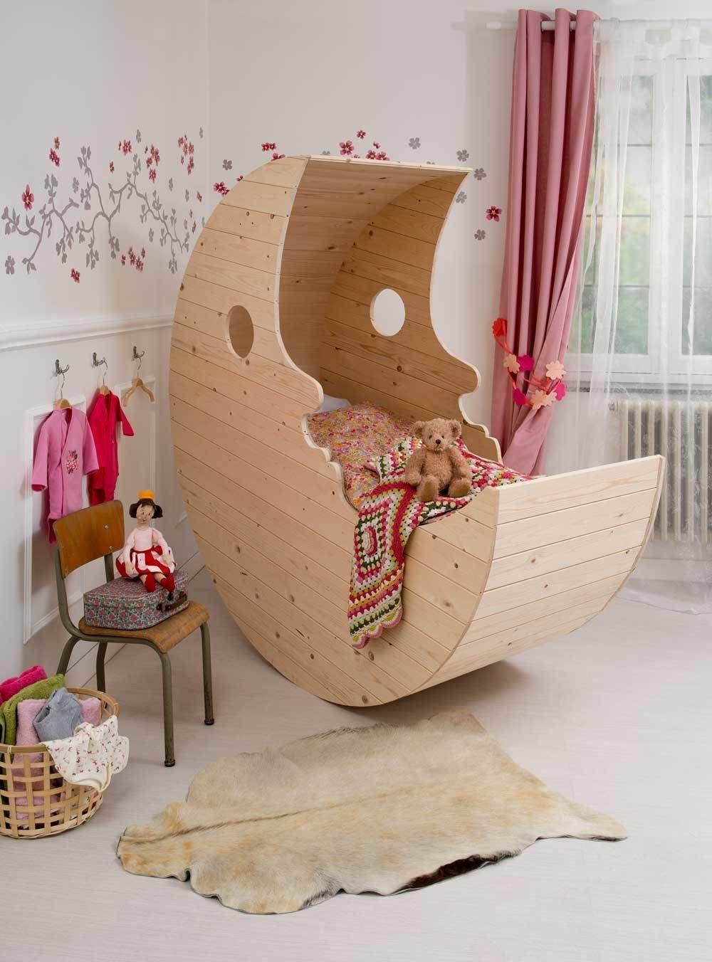 construisez un lit pour b b en bois en forme de lune