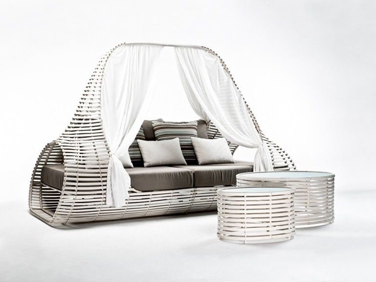LOLAH 花园床 by KENNETH COBONPUE 设计师Kenneth Cobonpue 户外 - Balou Rattan Mobel Kenneth Cobonpue