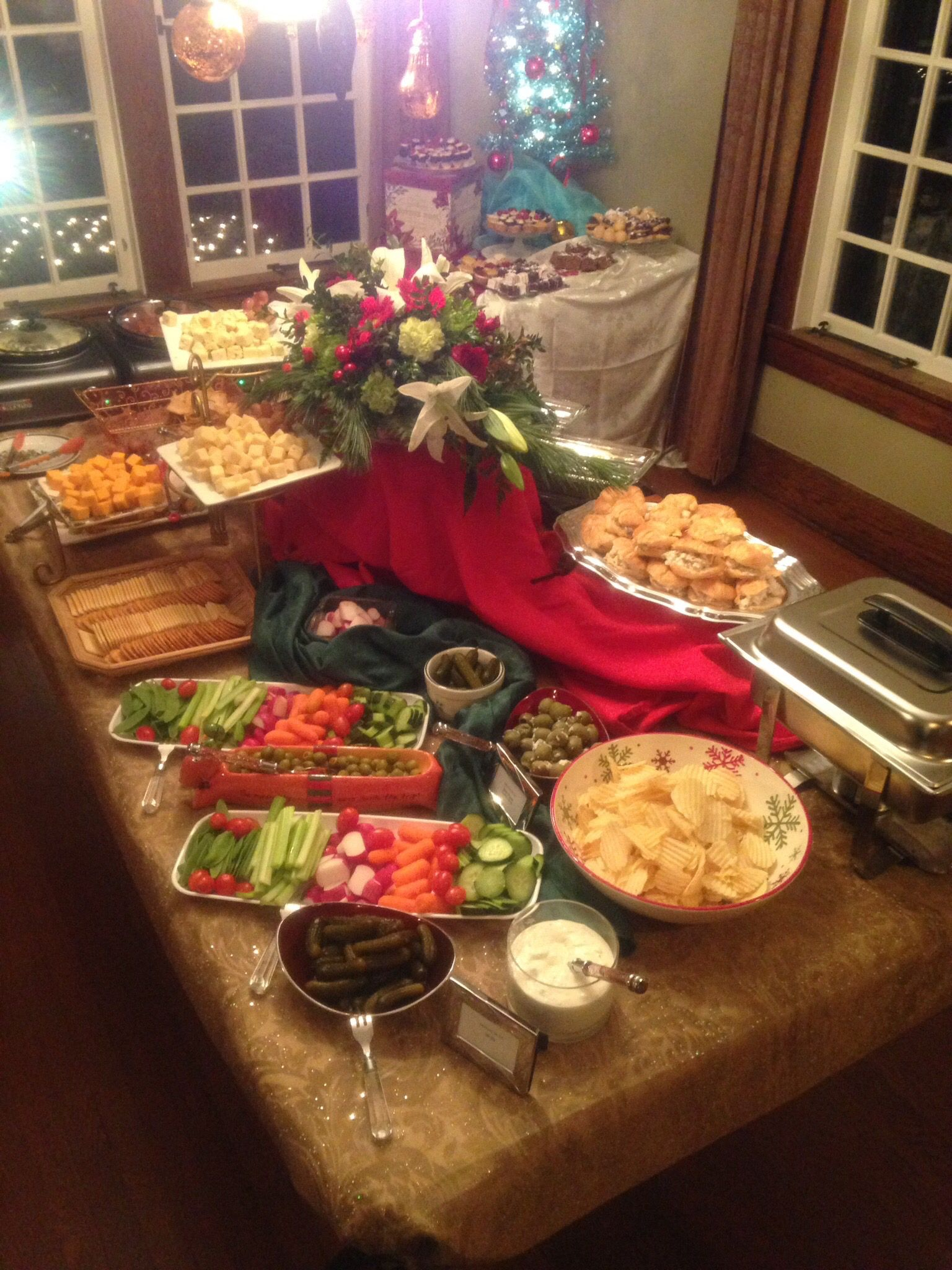 Holiday Heavy Hors D Oeuvres Display At A Private Residence Cateringbythegrill Heavy Appetizers Appetizers For A Crowd Progressive Dinner