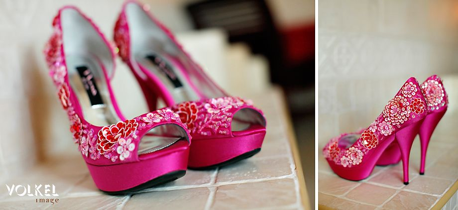 Pink Wedding Shoes For Bride Photo Album - Weddings Pro