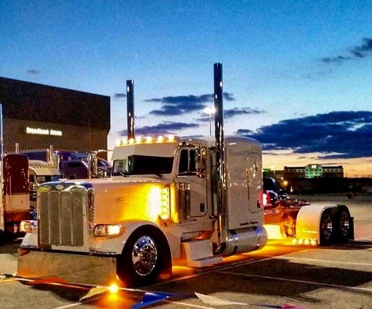 Custom Build 2017 Peterbilt 389 for Paul Sagehorn - YouTube   389 Peterbilt Show Trucks