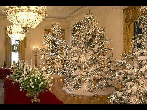 president trumps christmas wonderland inside the white house blue room christmas tree decorations youtube