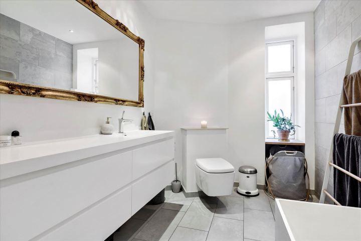 Piso danés moderno, despejado y hogareño Interiors