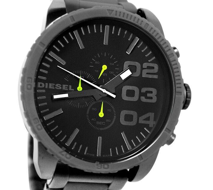Relógio Masculino DIESEL Novo.  Original, Garantia de 01 ano.  Preço: R$ 705,00 a vista ou  Entrada de R$ 399,99 + 2 parcelas de R$ 199,99 no cartão.  Fones: 47/9191-7999(Vivo), 47/9948-7787(Claro),  47/9703-6727(Tim).