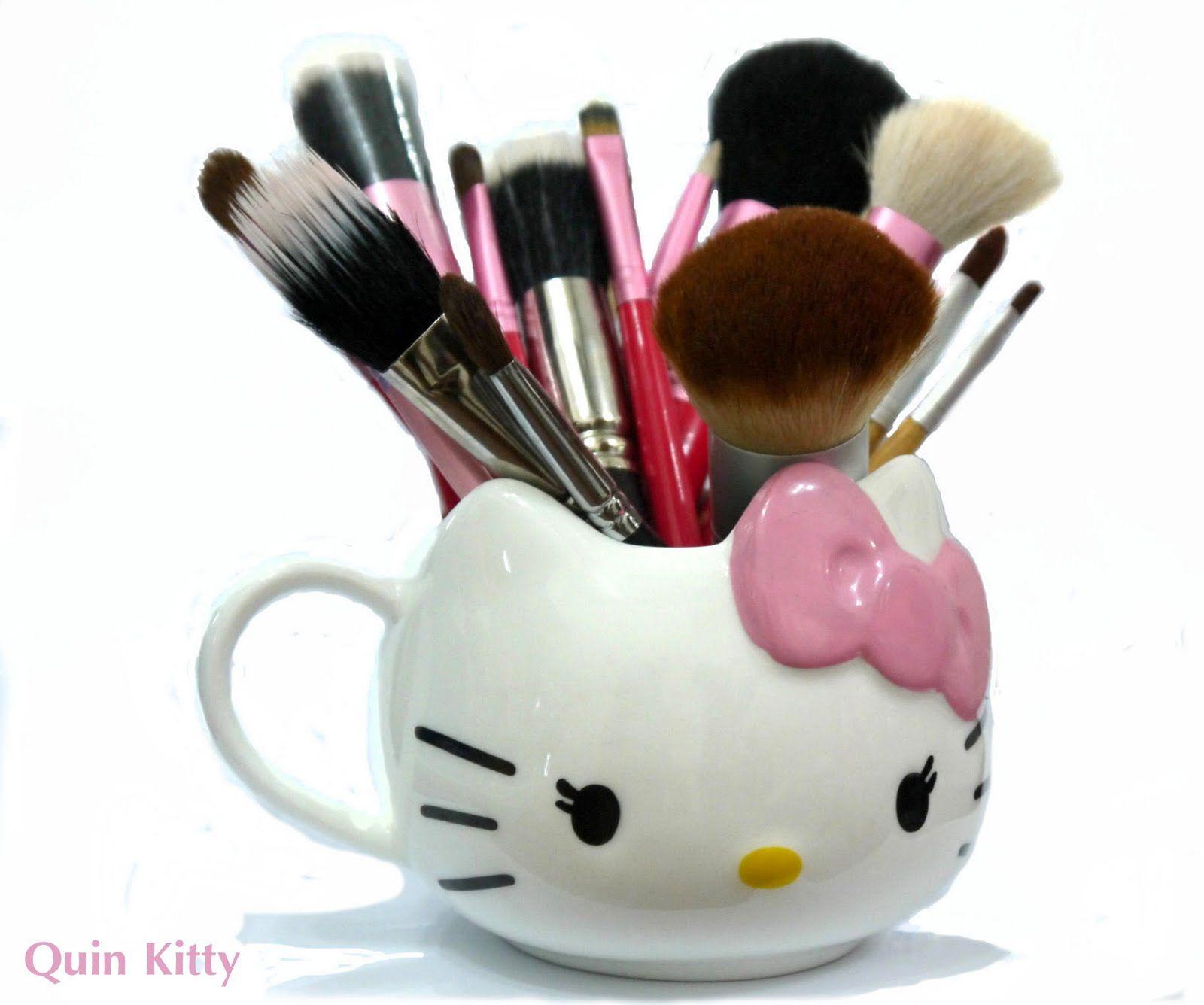 Hello Kitty Mug And Makeup Brushes Hello Kitty Tumblr Google Search Hello Kitty Makeup Diy Hello Kitty Hello Kitty Mug