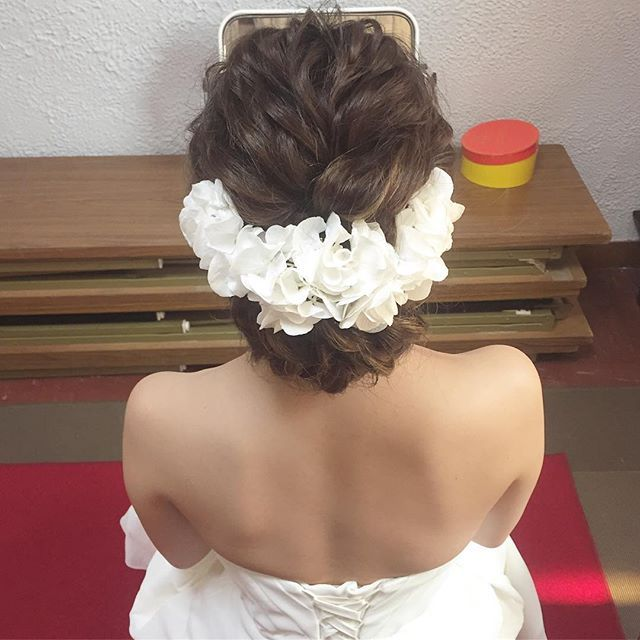 先週の花嫁さん 白い紫陽花の生花がとっても可愛くて神聖でした Ramuset Hair Hairarrenge ヘアアレンジ ヘアセット