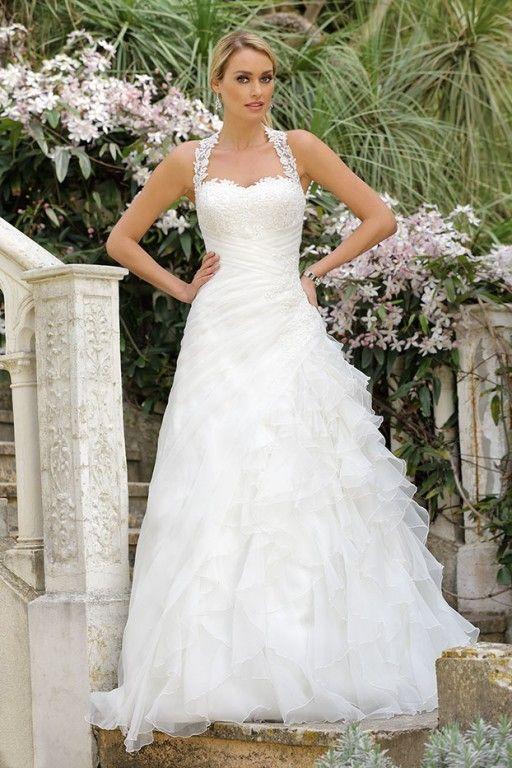Pin von Callie Scott auf Beaded lace wedding dress | Pinterest ...