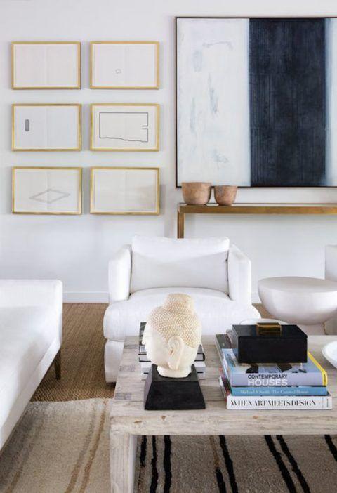 Wohnzimmer Einrichtung (Interior Design) In Den Neutralen Farben Weiß, Beige,  Cognac