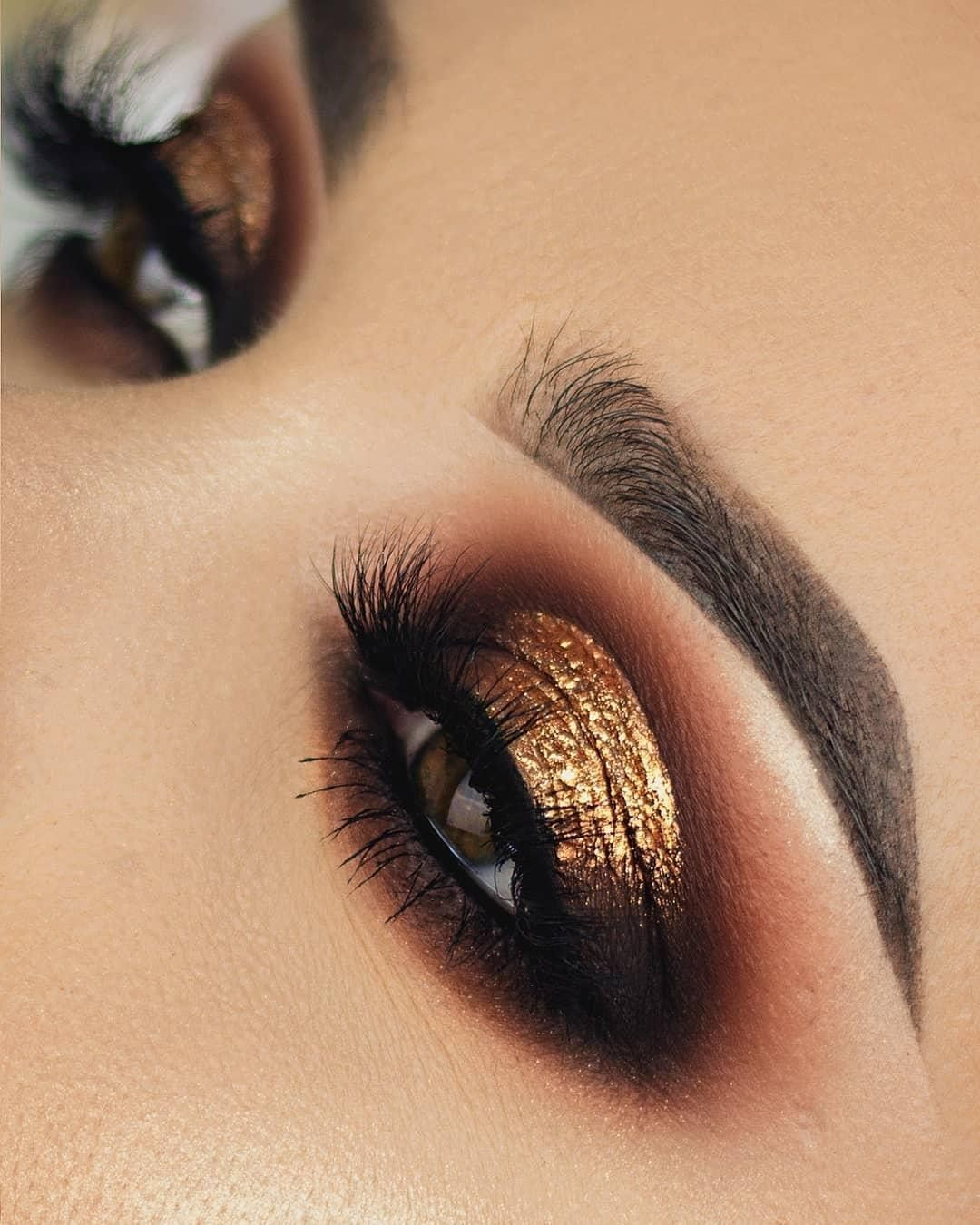 "Morphe on Instagram: ""A gorgeous warm brown smokey eye, with a gold foil? Yes please. ️ @chaleendeed is a queen of #MakeupInspo & she picked up the 35G Bronze…"""