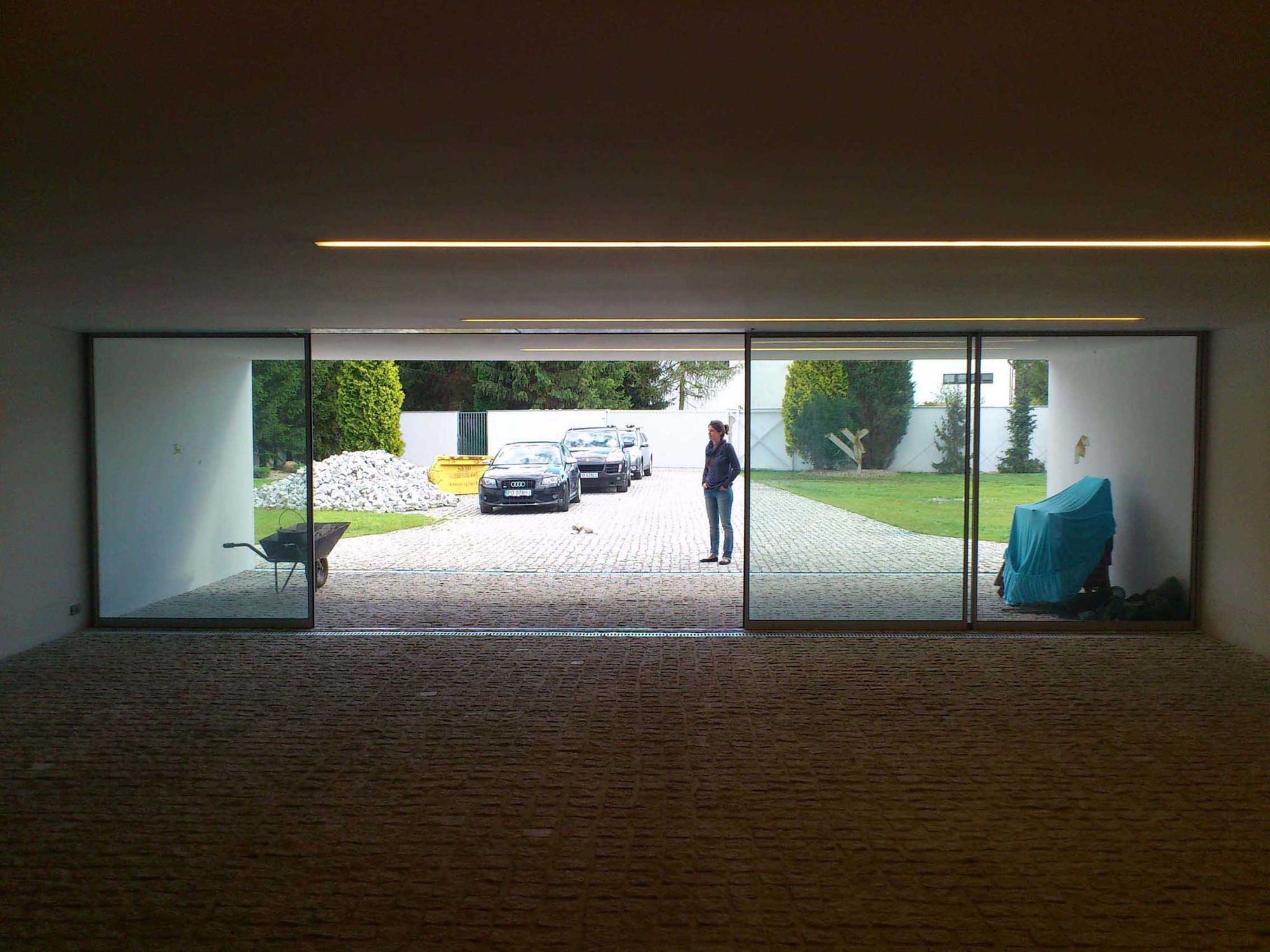 Gallery of Auto-Family House / KWK PROMES - 2
