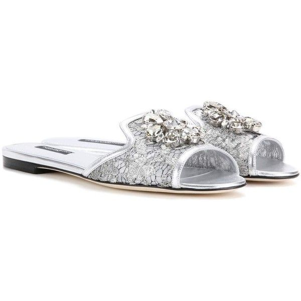 Dolce & Gabbana Bianca Embellished Lace Slip-on Sandals (1.881.560 COP) ❤ liked on Polyvore featuring shoes, sandals, silver, lace shoes, embellished sandals, dolce gabbana shoes, decorating shoes and slip on sandals