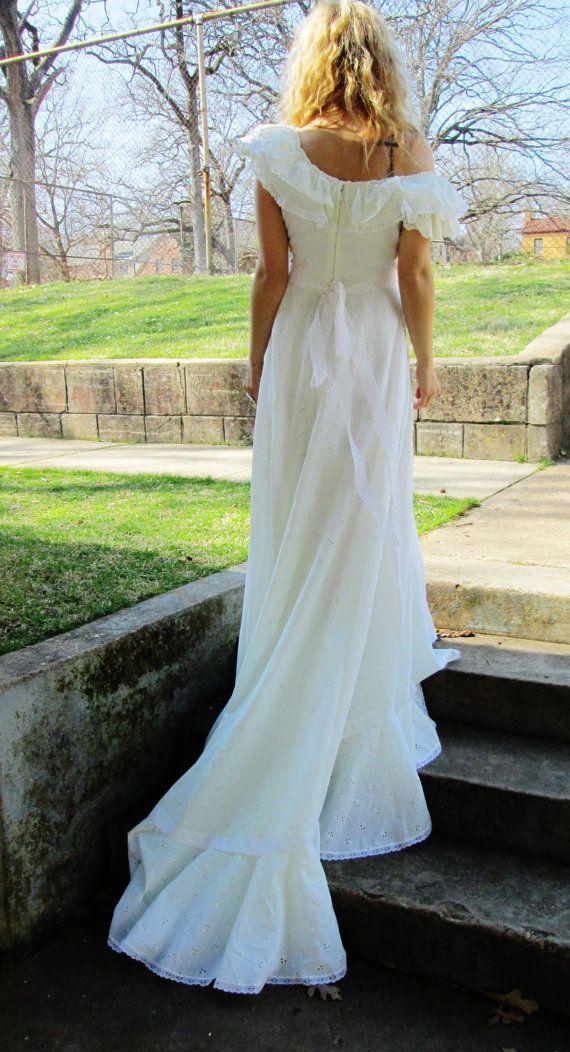 EYELET Off The Shoulder BOHEMIAN Wedding Dress Ruffles Long Dramatic Train Cotton Blend Lightweight Bridal Gown Summer Beach