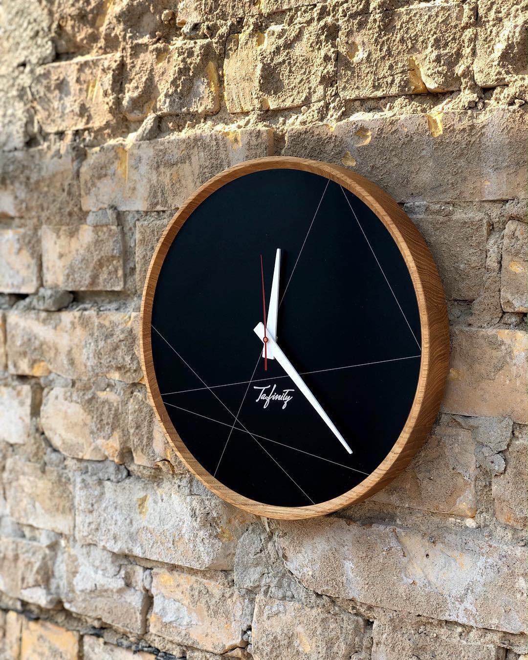 Dezain Interior Design Shop On Instagram Zeit Für Eine Neue Wanduhr Hinter Wanduhren Aus Holz Des Labels Huamet Tafinity St Wanduhr Holz Wanduhr Wanduhren