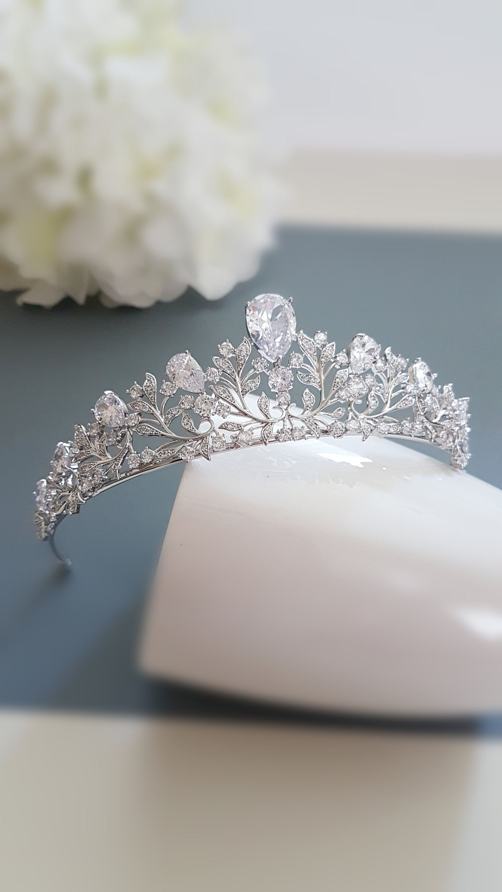 Bridal Hair Jewelry Wedding Tiara Bridal Tiara Crystal Floral Tiara Crown Silver Wedding Swarovski Crystal Zircon Bridal Headband Headpiece In 2020 Hair Jewelry Wedding Bridal Tiara Wedding Tiara