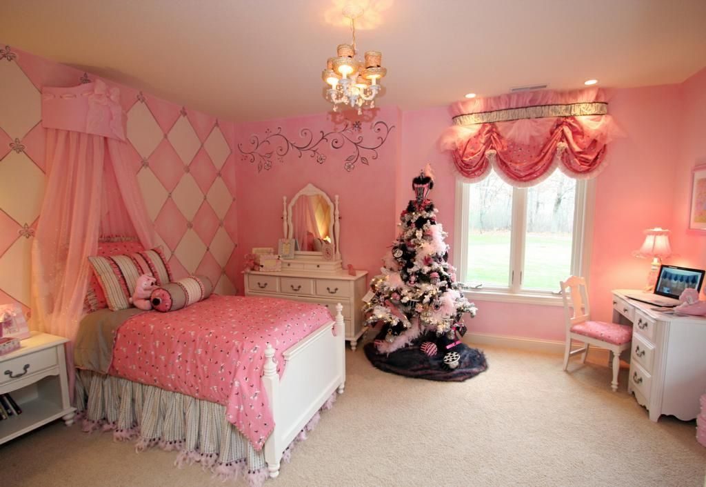 Beautiful Pink Girls Bedroom With Harlequin Wall, Chandelier, Bed Crown And  Christmas Tree