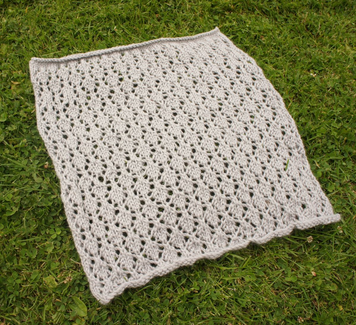 Skill Building Blanket KAL: Block 1   Blanket, Building and Leaves
