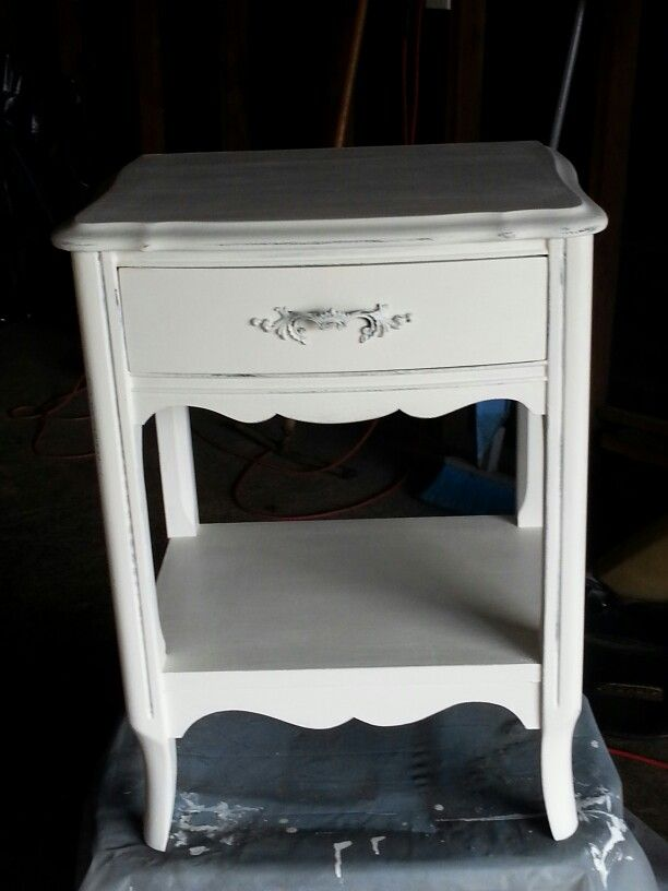 My first Shabby Chic piece of furniture.