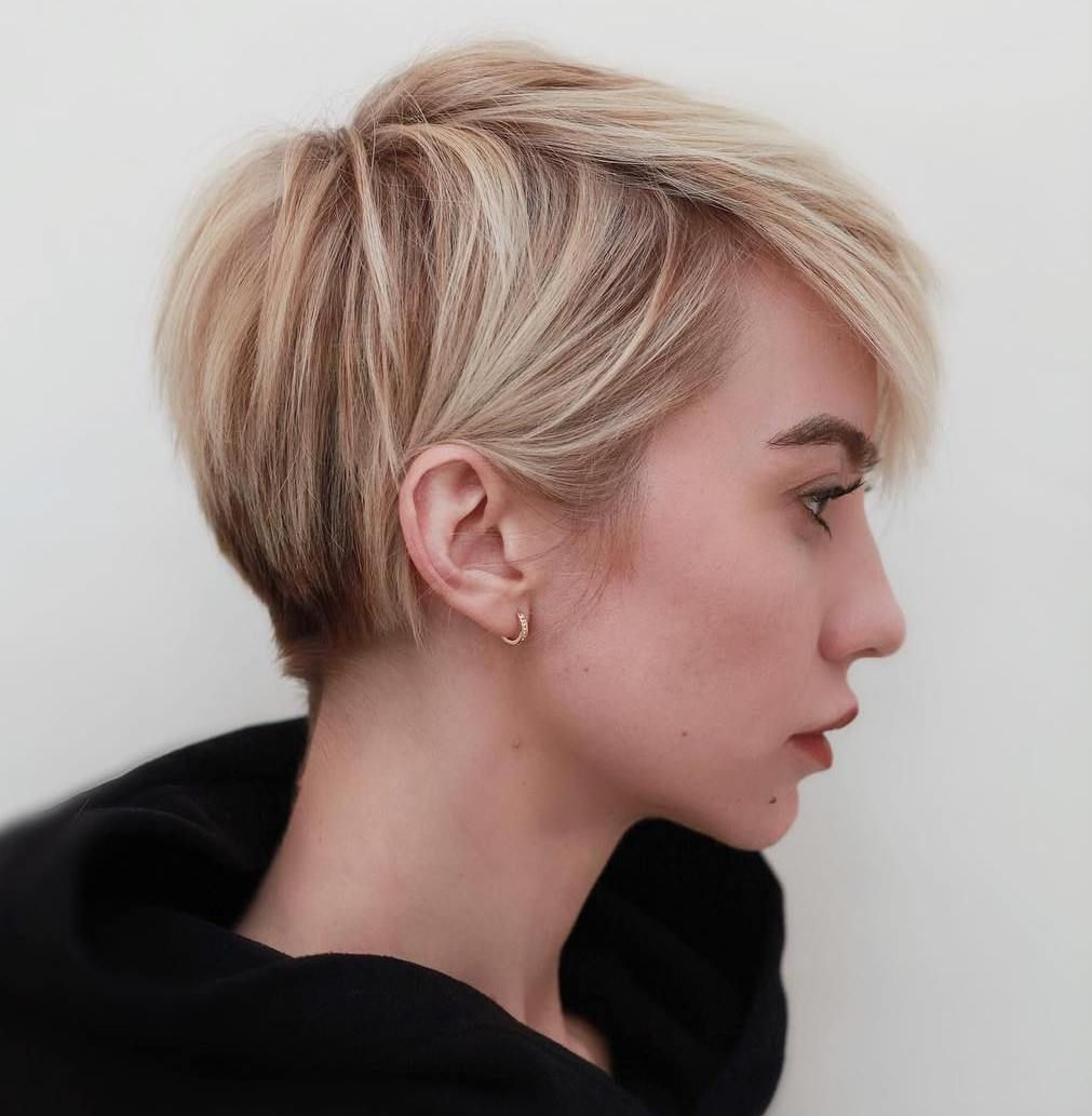 45 Best Short Haircuts and Hairstyles for Fine Hair in 2020 | Short ombre  hair, Thick hair styles, Hair styles