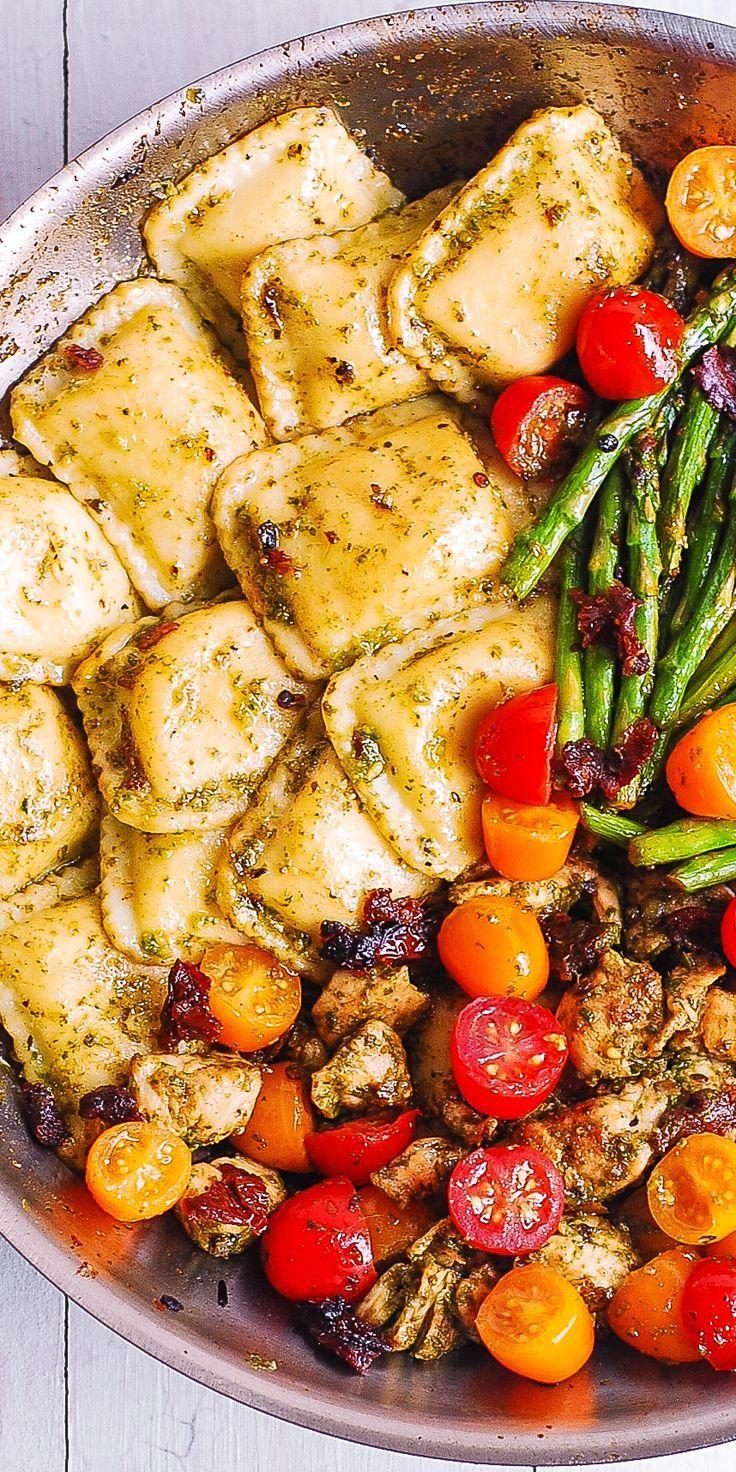 Pesto Chicken Ravioli und Gemüse   - Esse - #Chicken #Esse #Gemüse #Pesto #Ravioli #und #dinnerrecipeschicken
