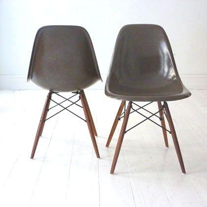 Eames skal-stole i glasfiber