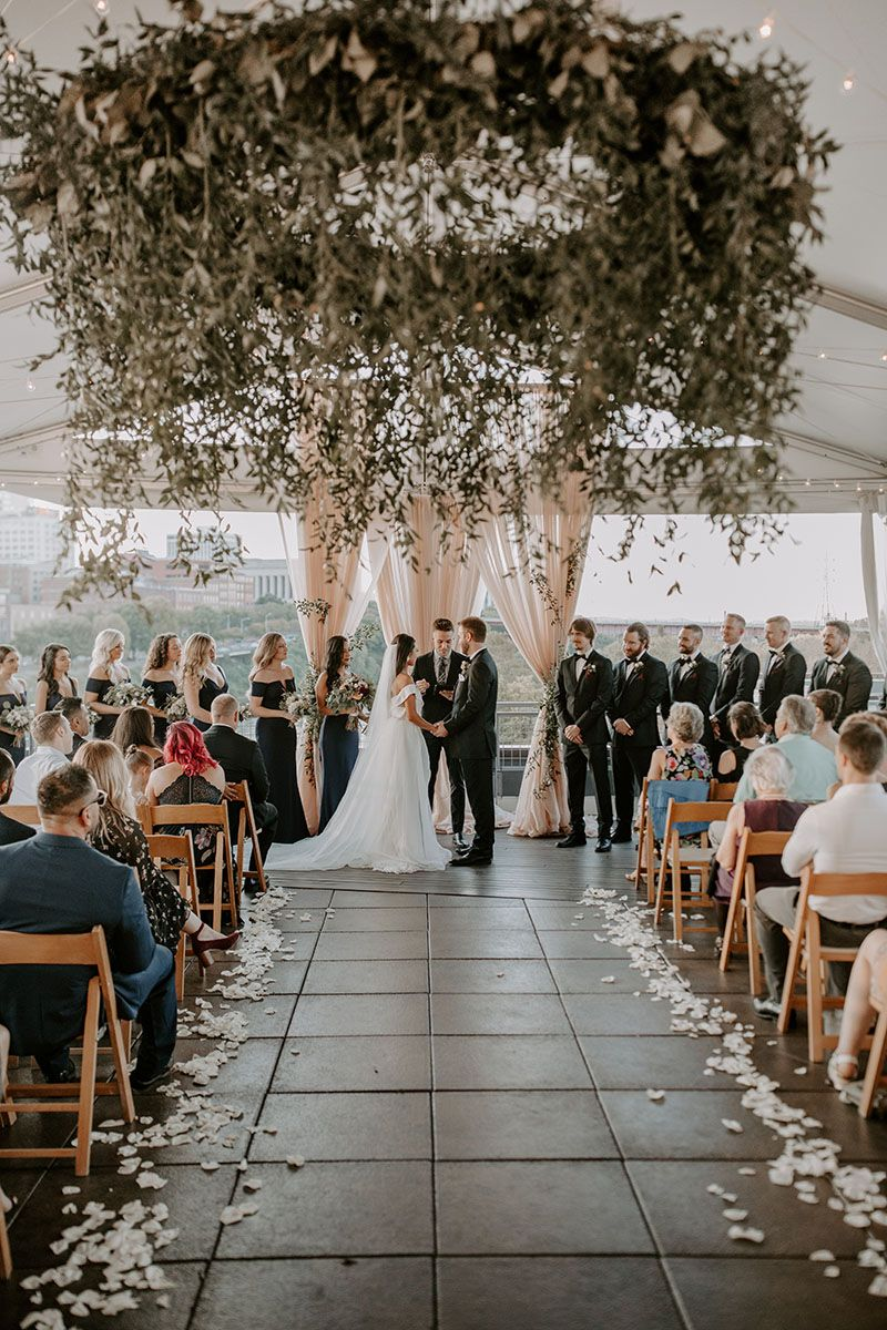 Love On Top The Best Rooftop Wedding Venues In The Us Green Wedding Shoes Rooftop Wedding Venue Rooftop Wedding Lush Wedding