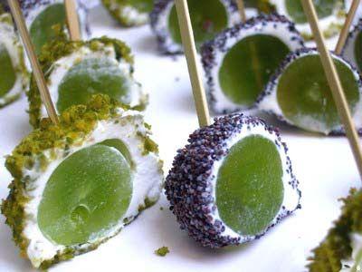 Sueño con ser cocinera: Bolitas de queso de cabra, uvas y pistachos (Thermomix)