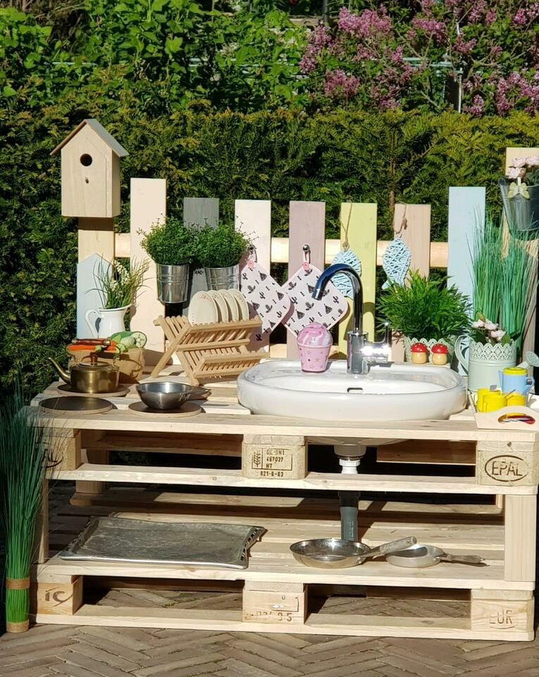 Matschkuche Bullerbu Skandi Maritim Paletten Gartenkuche Kinder In Munster Westfalen Centrum Spielzeug Fur D Sandkasten Garten Kinder Garten Garten Kuche
