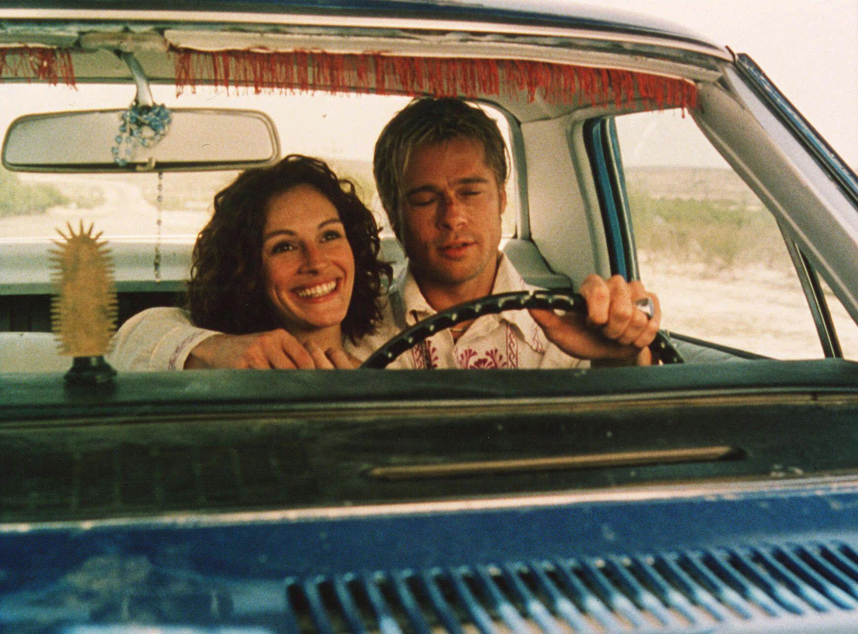 the mexican movie still 2001 l to r julia roberts brad pitt