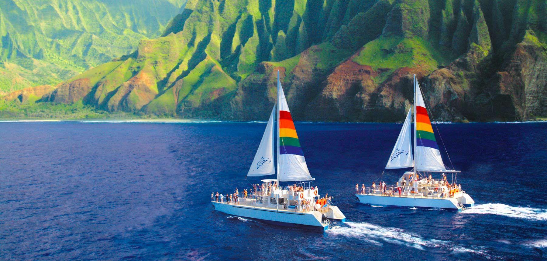 we specialize in kauai boat tours along the na pali coast, niihau