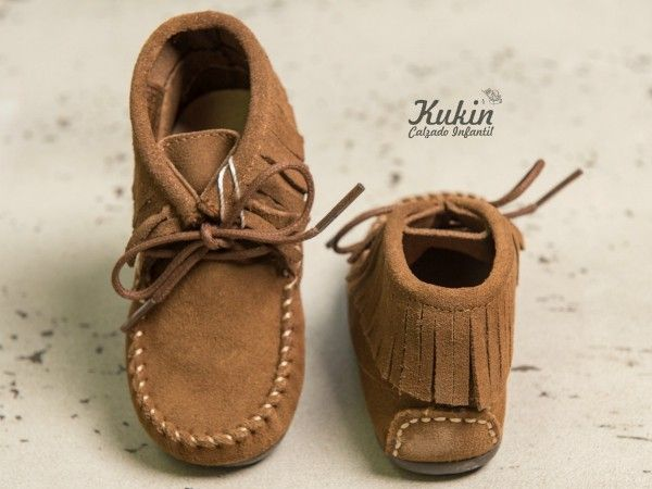 8f74d56e9 botas niño taupe - calzado infantil - zapatería infantil online - botas  flecos taupe - mohicanas niño