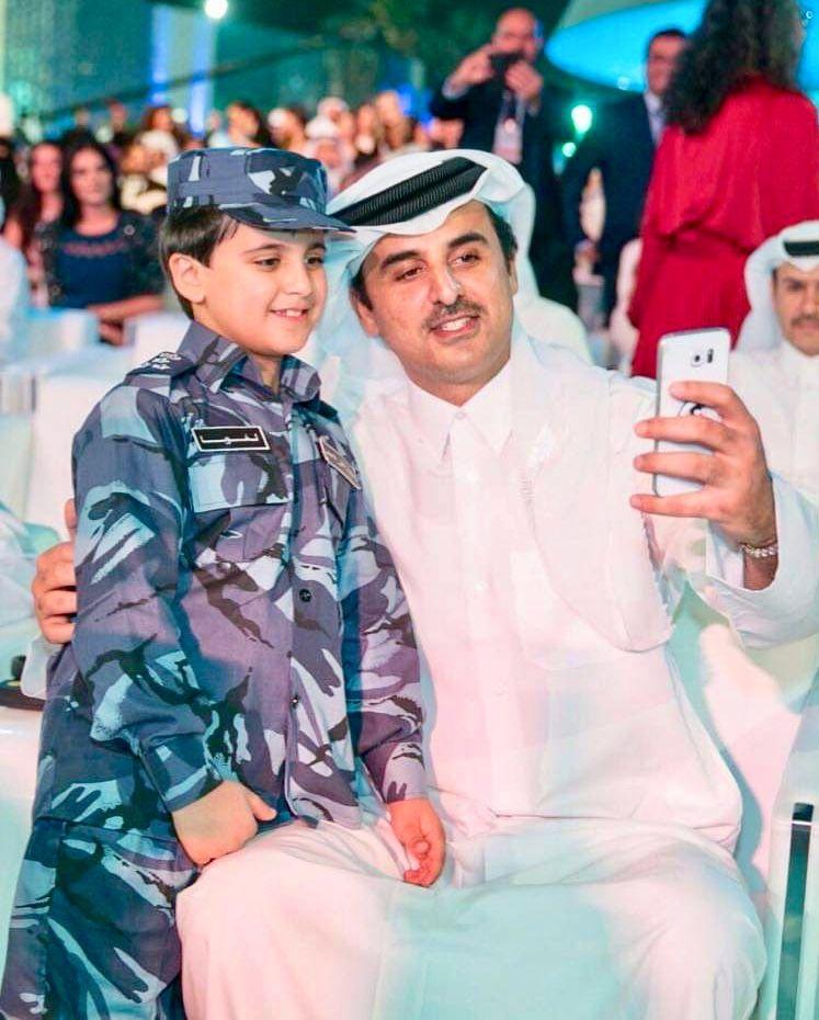 Qatar S Emir Sheikh Tamim Bin Hamad Al Thani Doha سمو الشيخ تميم بن حمد بن خليفة آل ثاني أمير دولة قطر Academic Dress Fashion Dresses