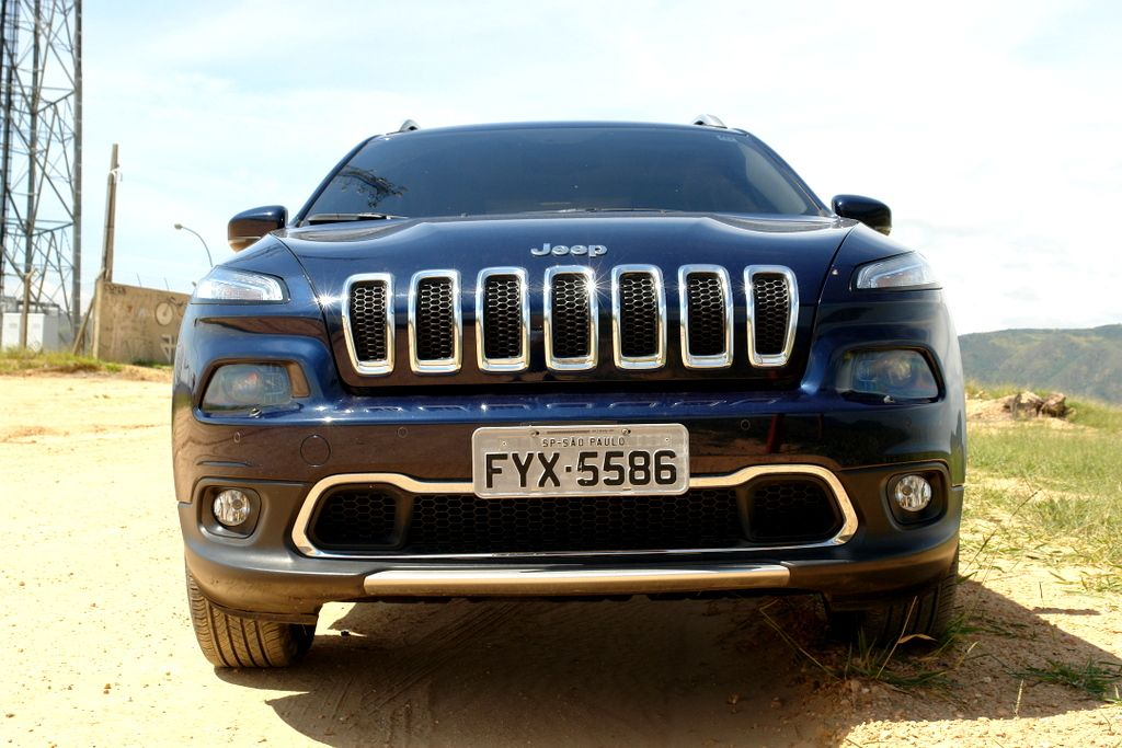 JEEP CHEROKEE LIMITED, NO USO