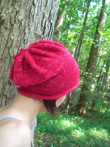 Rolled brim slouchy hat pattern - free with LOTS of notes on Ravelry ...