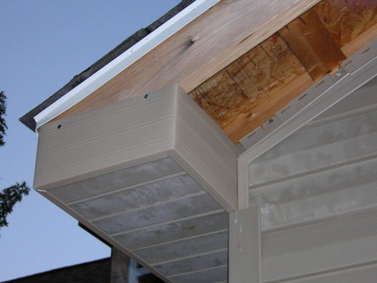How To Fix Gaps On Front Porch Ceiling In 2020 Vinyl Soffit Vinyl Siding Installation Porch Ceiling
