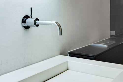 Badkamer kraan uit de muur interieur inrichting badkamer baños