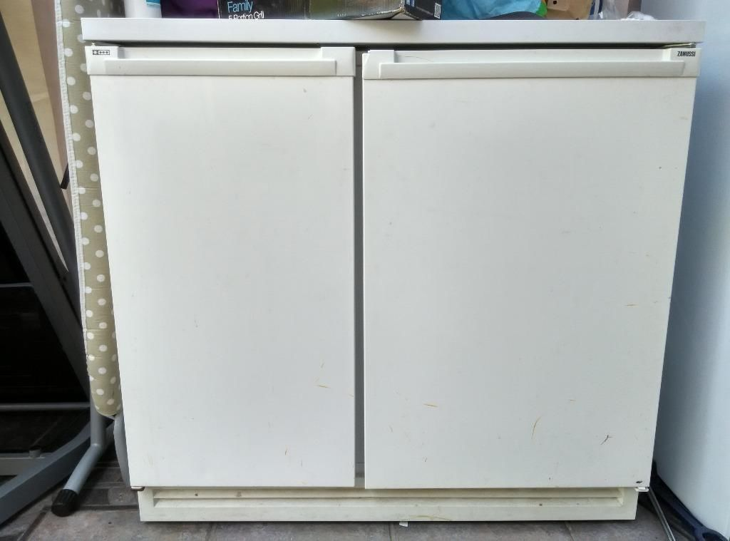 Zanussi Counter Fridge Freezer Buy Sale And Trade Ads Fridge Freezers Freezer Laundry Room Diy