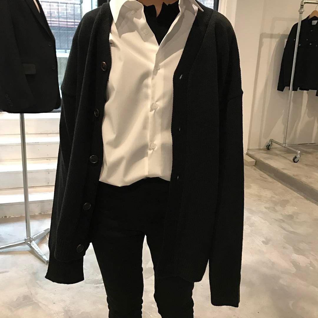 c9fb1d600402 Minimal Aesthetic Clothing - imgUrl