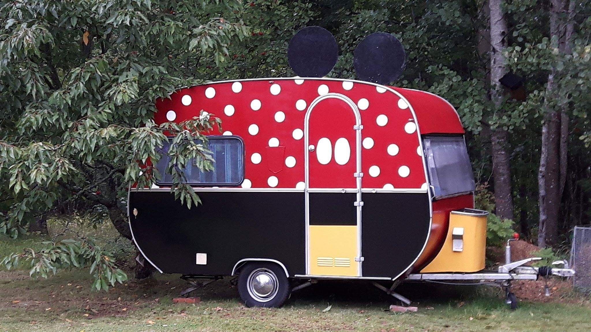 Mickey Mouse Wohnwagen