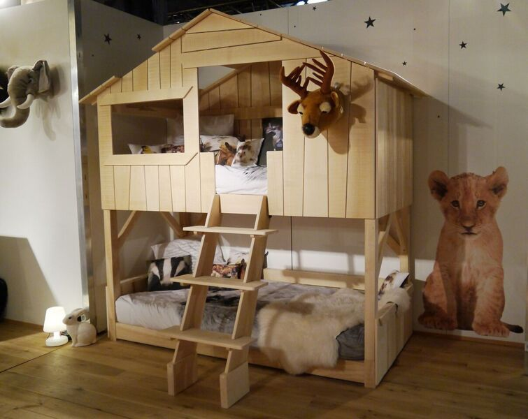 lit cabane superpose tilleul treehouse bunk bed limewood mathybybols