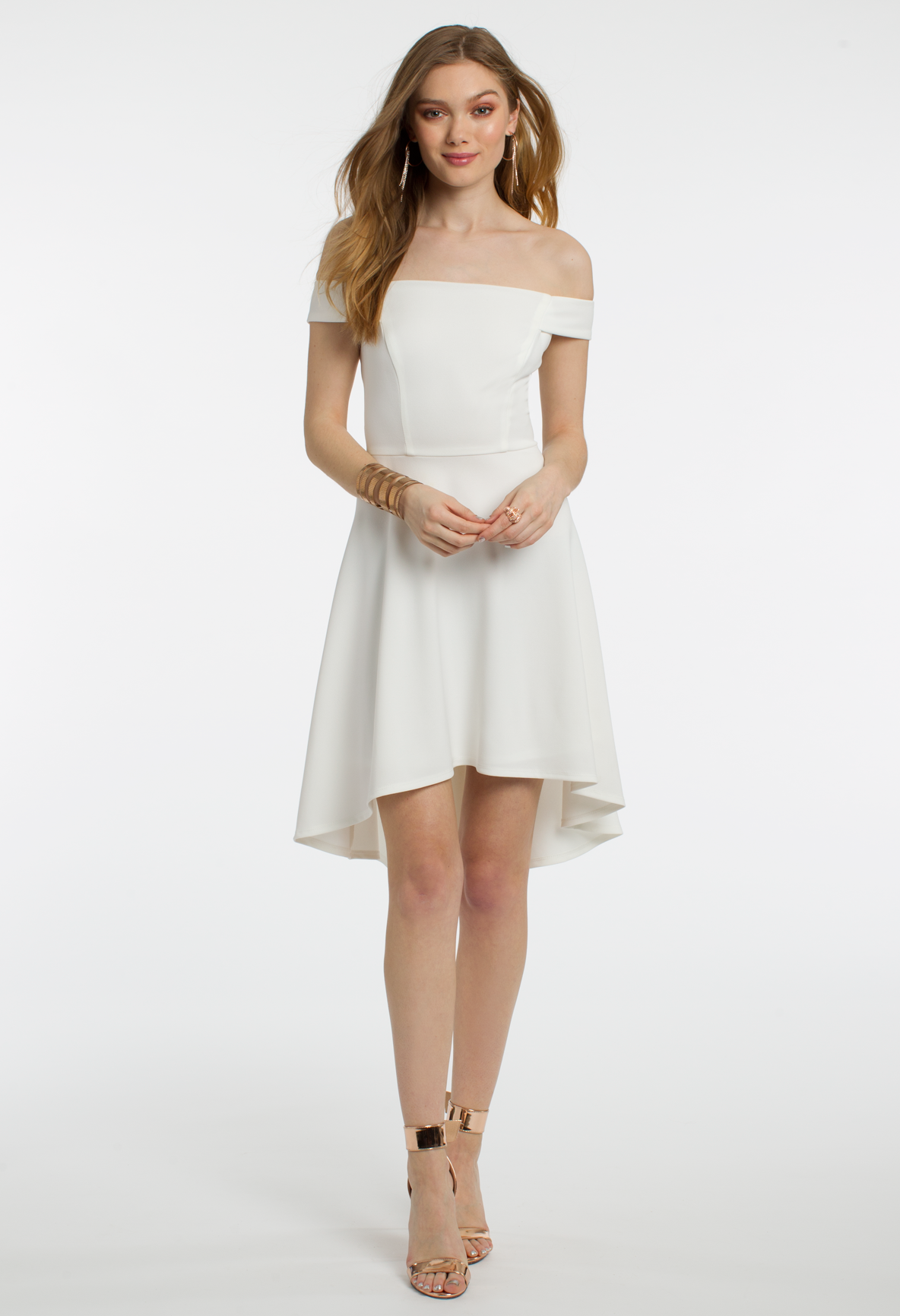 This short cocktail dress is a classic for your closet with its off