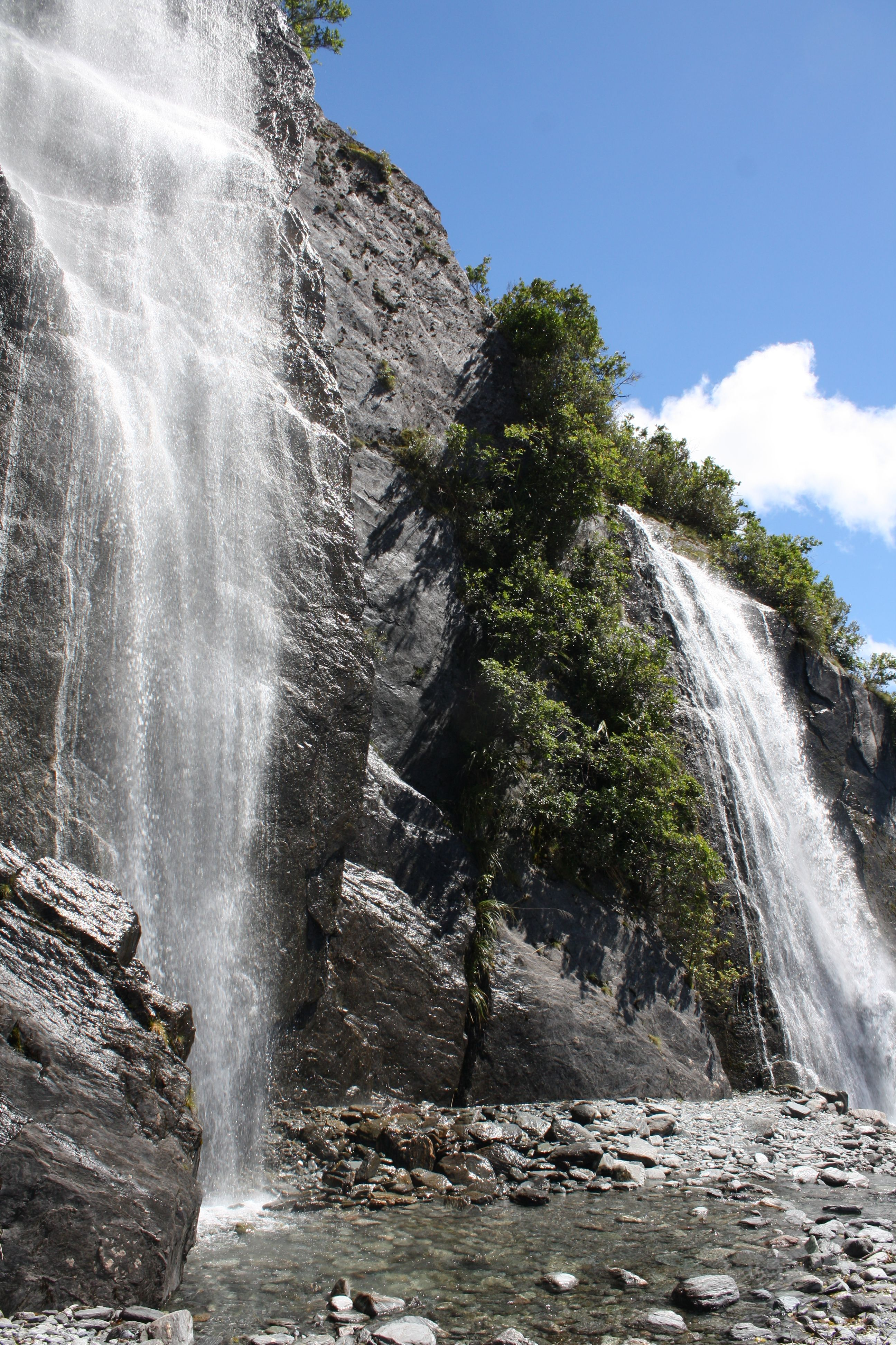 Waterfall Falling Frans Josef Glacier Nz With Images