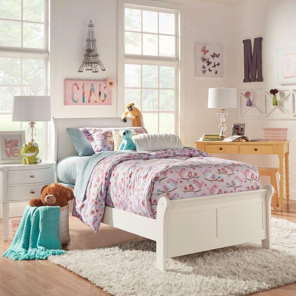 HomeSullivan Ivy QueenSize Sleigh Bed in White 40539W