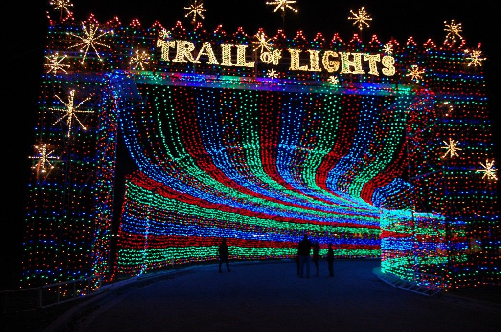 Best Christmas Lights in Texas and the Southwest Trail