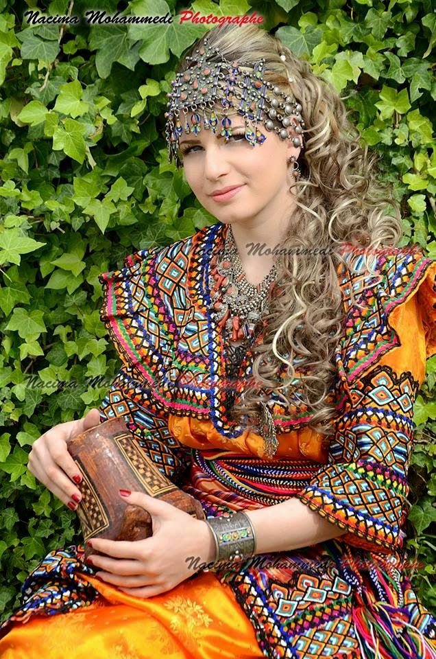 Robe kabyle algeria tenue traditionnelle algerienne et for Vente robe chaoui